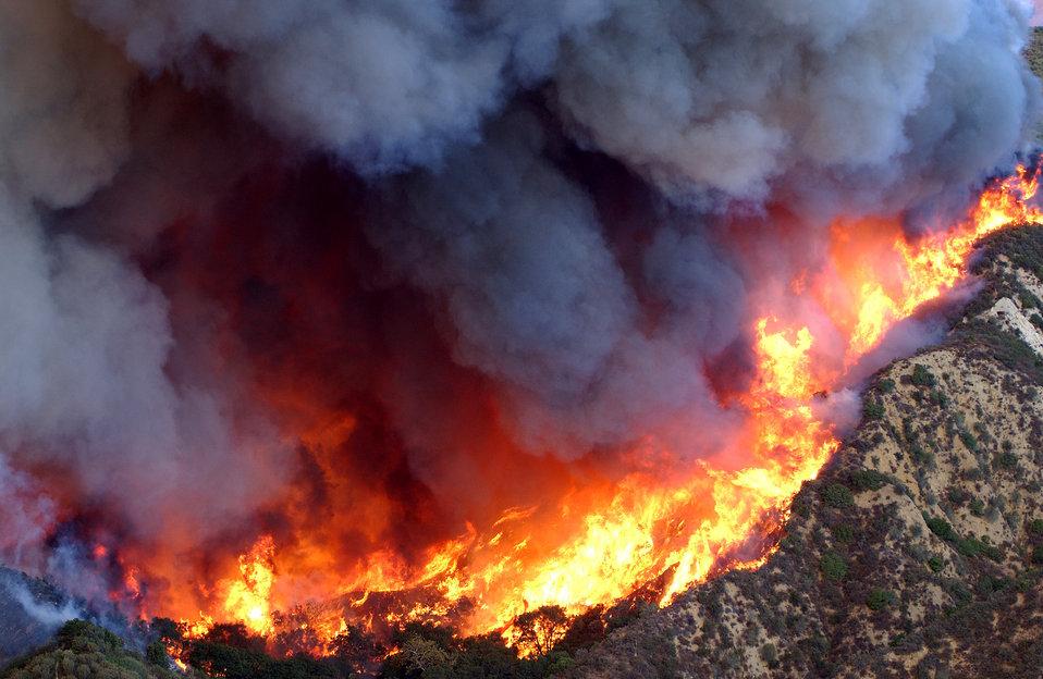 fire in california burning